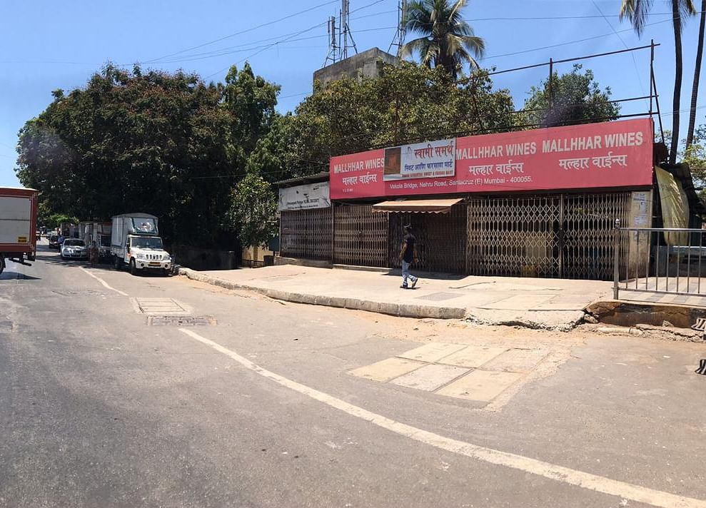 Maharashtra Allows Liquor Stores To Reopen In Red Zones Outside Containment Areas