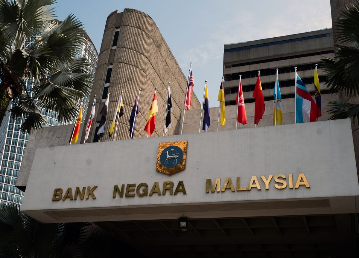 Malaysia Cuts Key Rate by Most Since 2009 as Economy Reopens