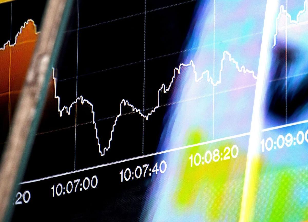 U.K. Stocks Fall on Trump, Earnings Worry as Most of Europe Shut