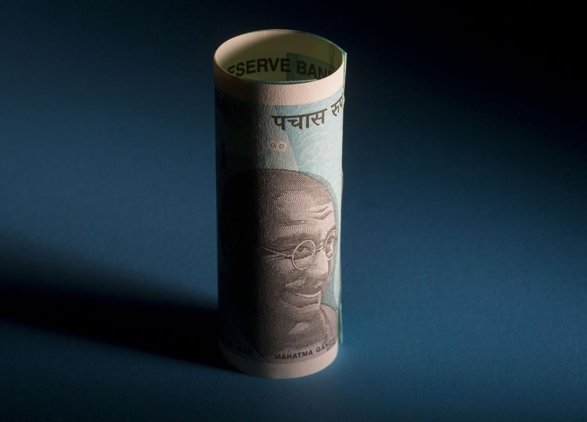 Record Cash Sees India Bond Sale Through Despite Borrowing Spike
