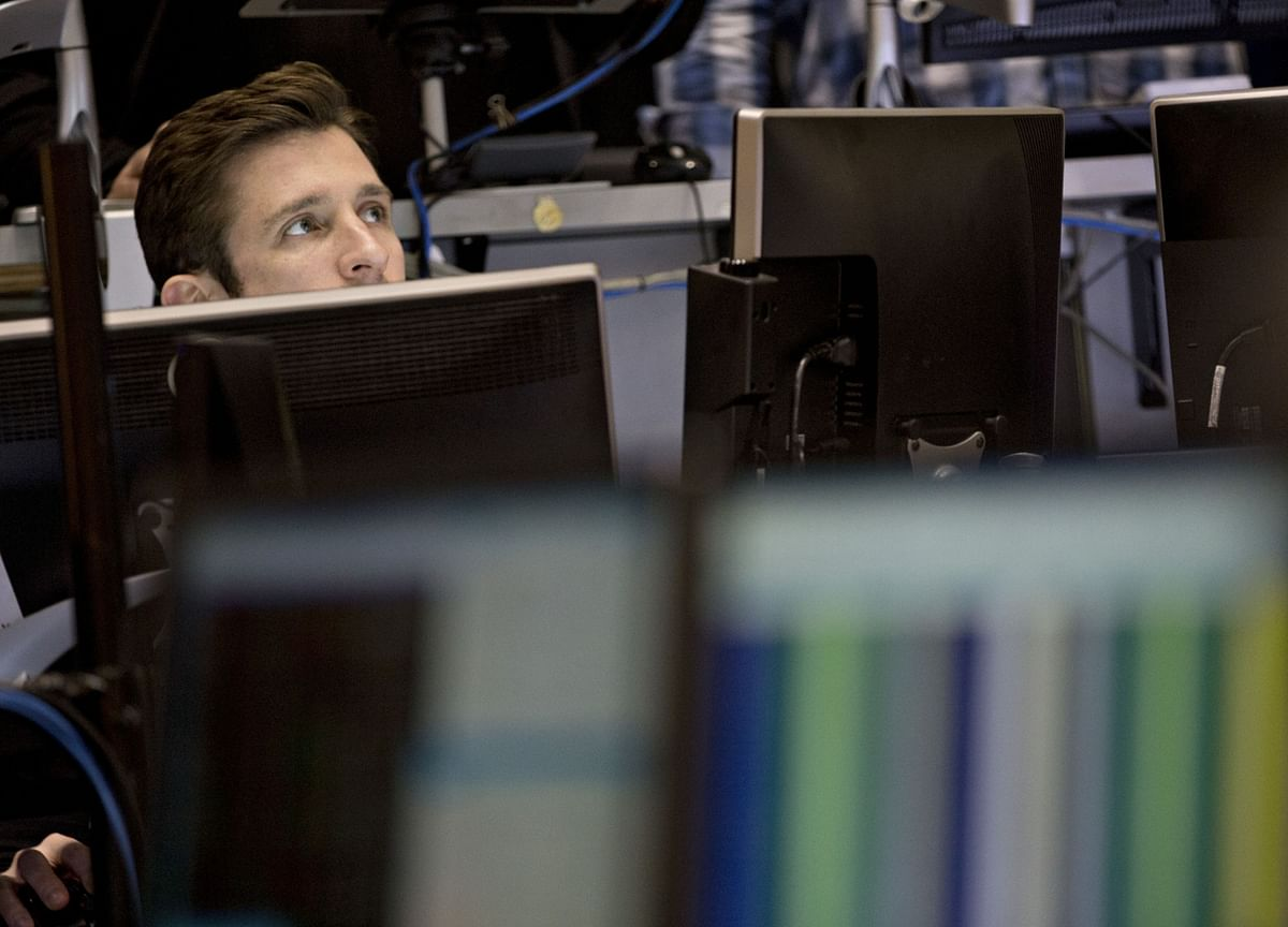 Sensex, Nifty End Lacklustre Session With Third Day Of Gains