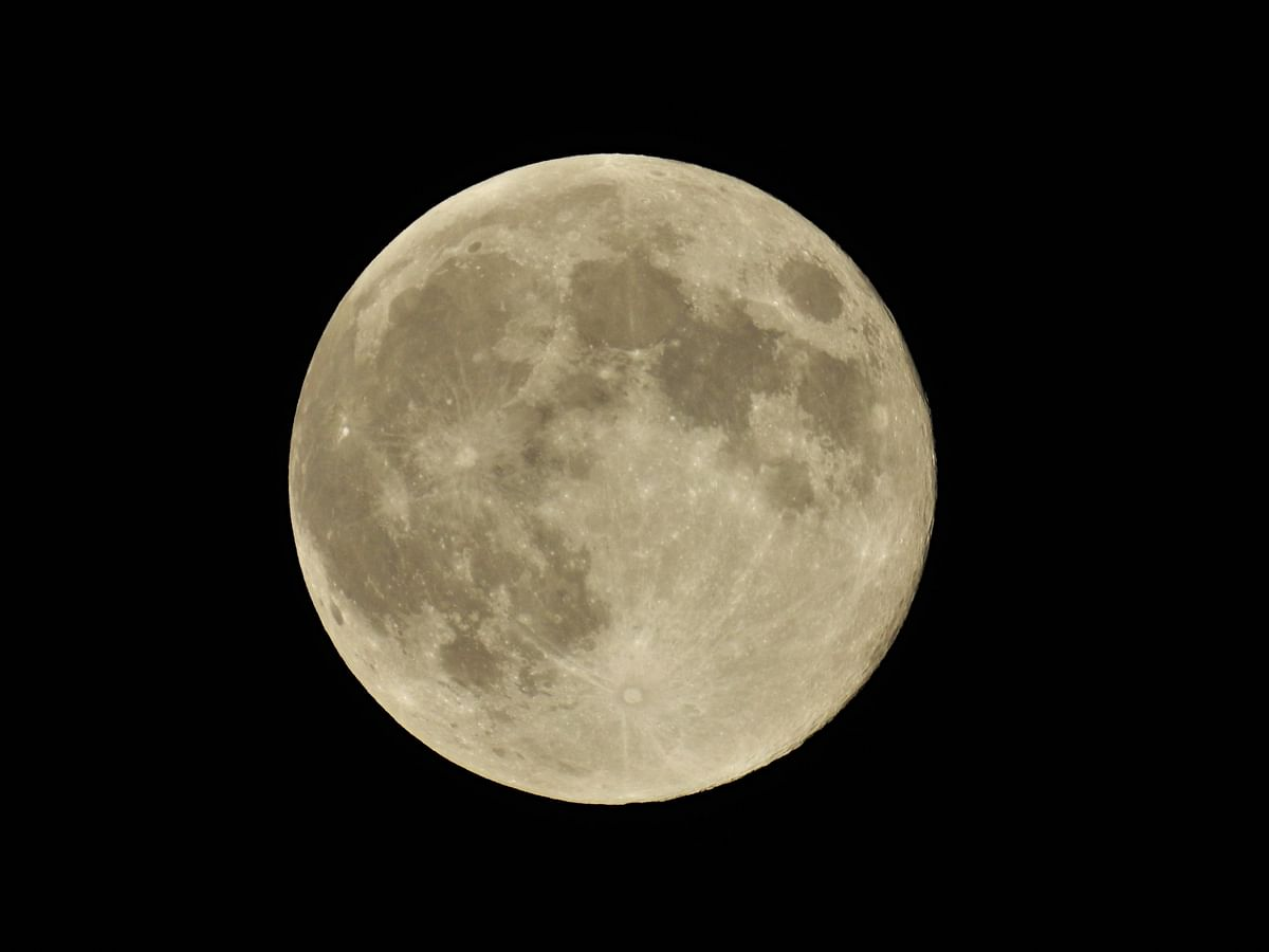 The full moon, on Buddha Purnima, May 7, 2020. (Photographer: Neha Sinha)