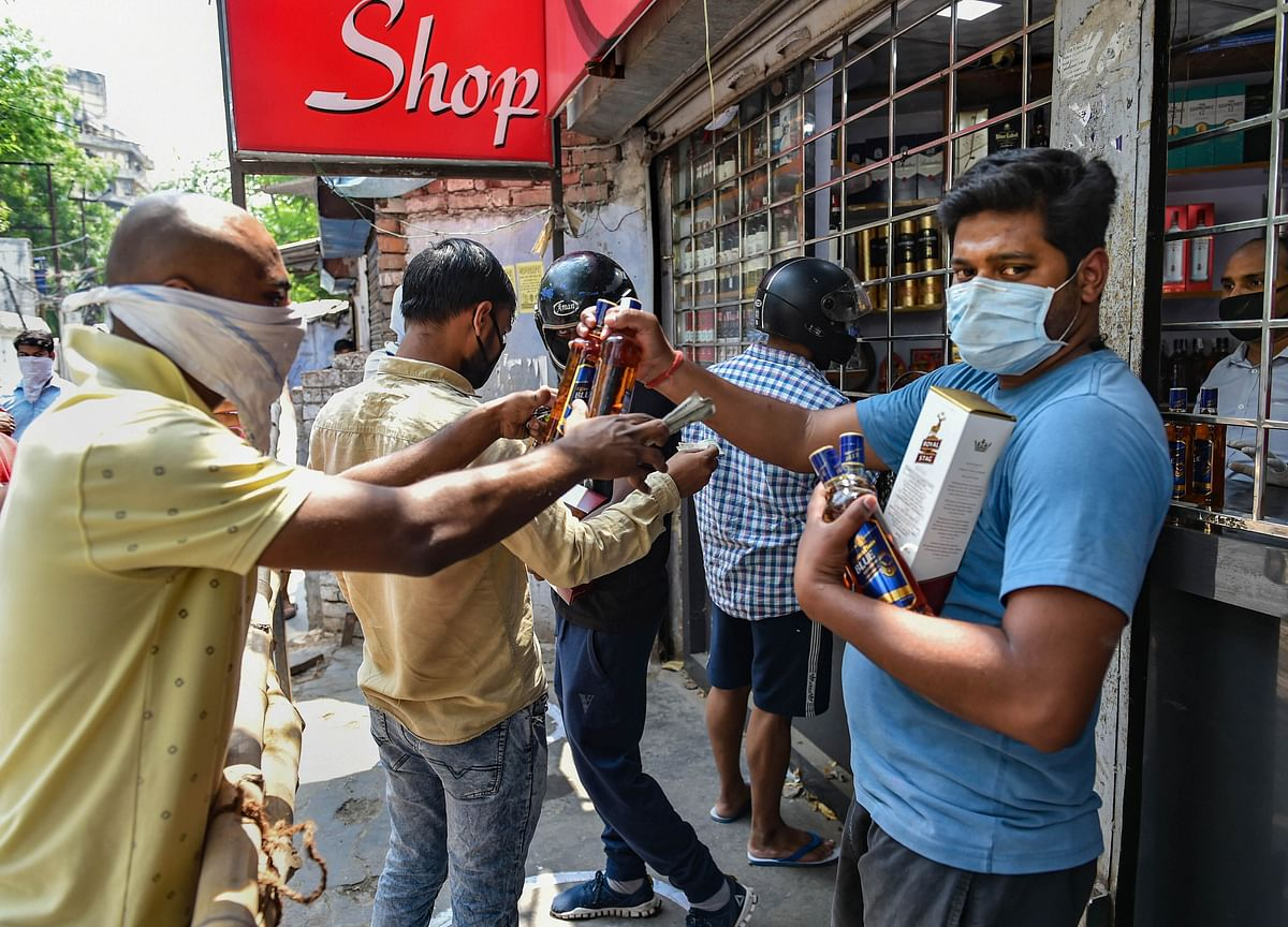 Amazon, BigBasket Foray Into Alcohol Delivery In West Bengal