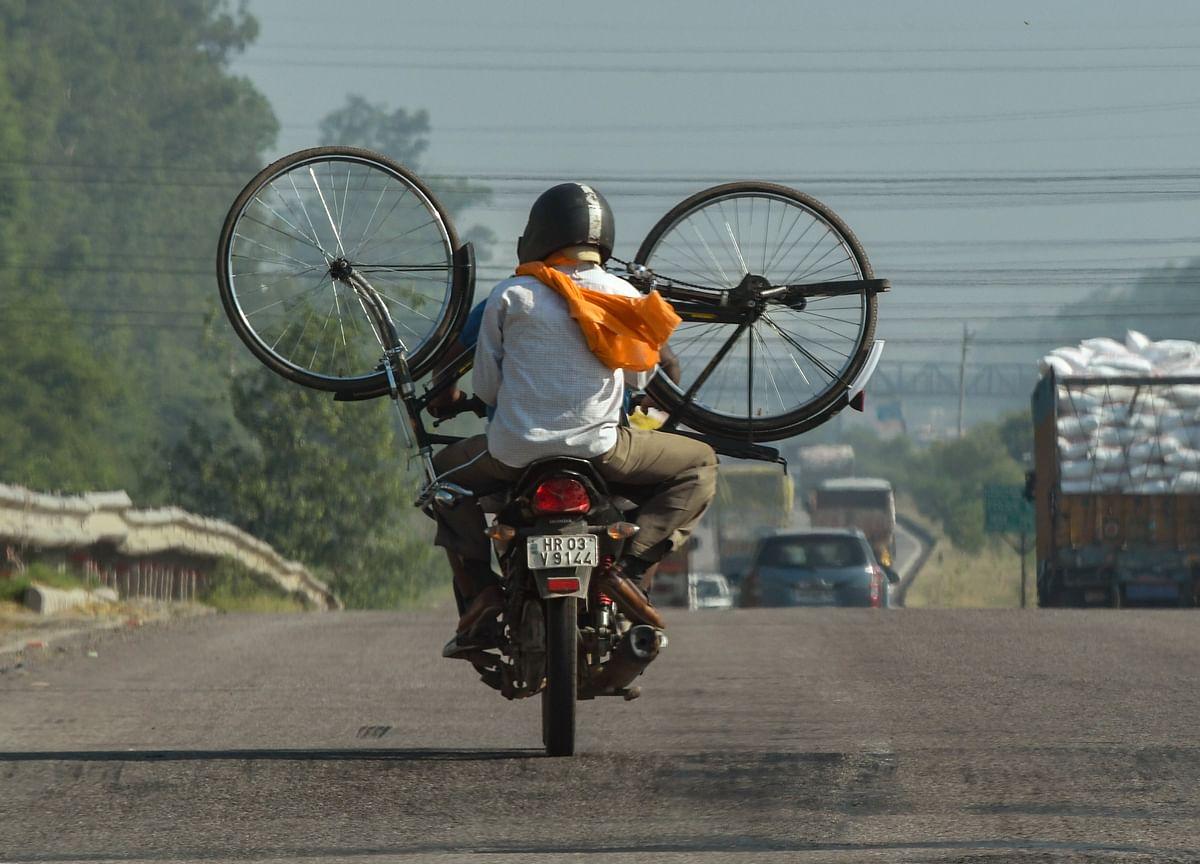 Bajaj Auto, Hero MotoCorp Shares Slump As CLSA Sees Recovery Momentum Slowing