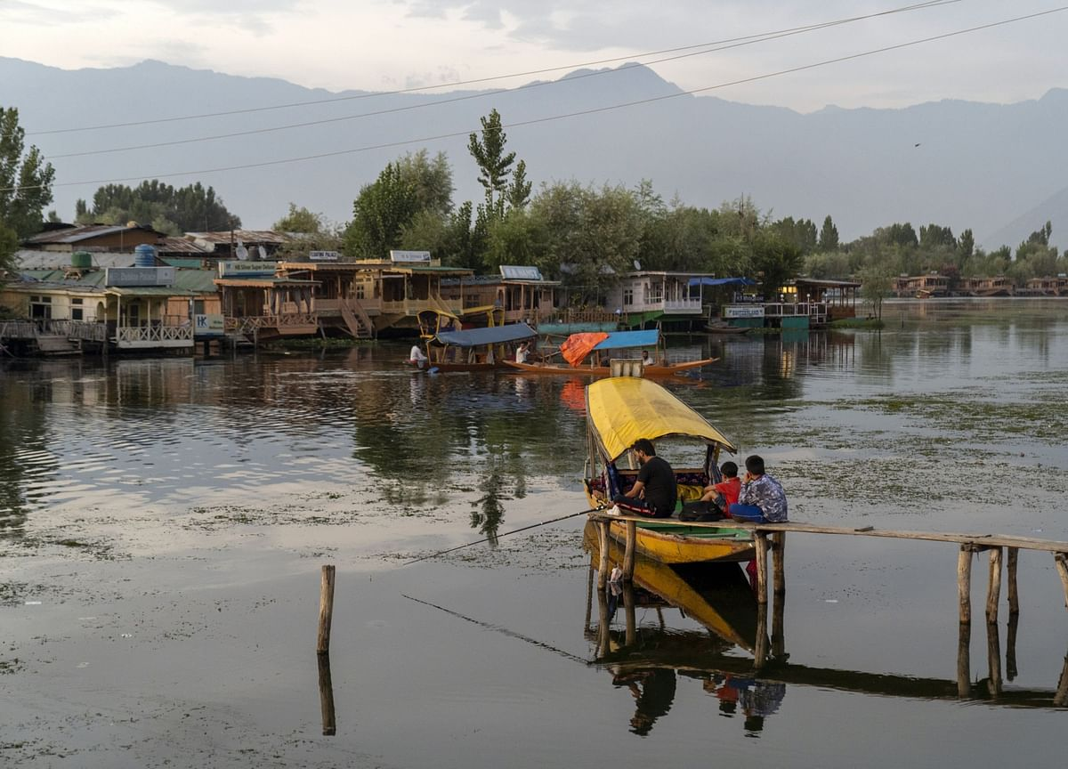 South Asian Rivals Prepare for Bloody Summer in Disputed Kashmir