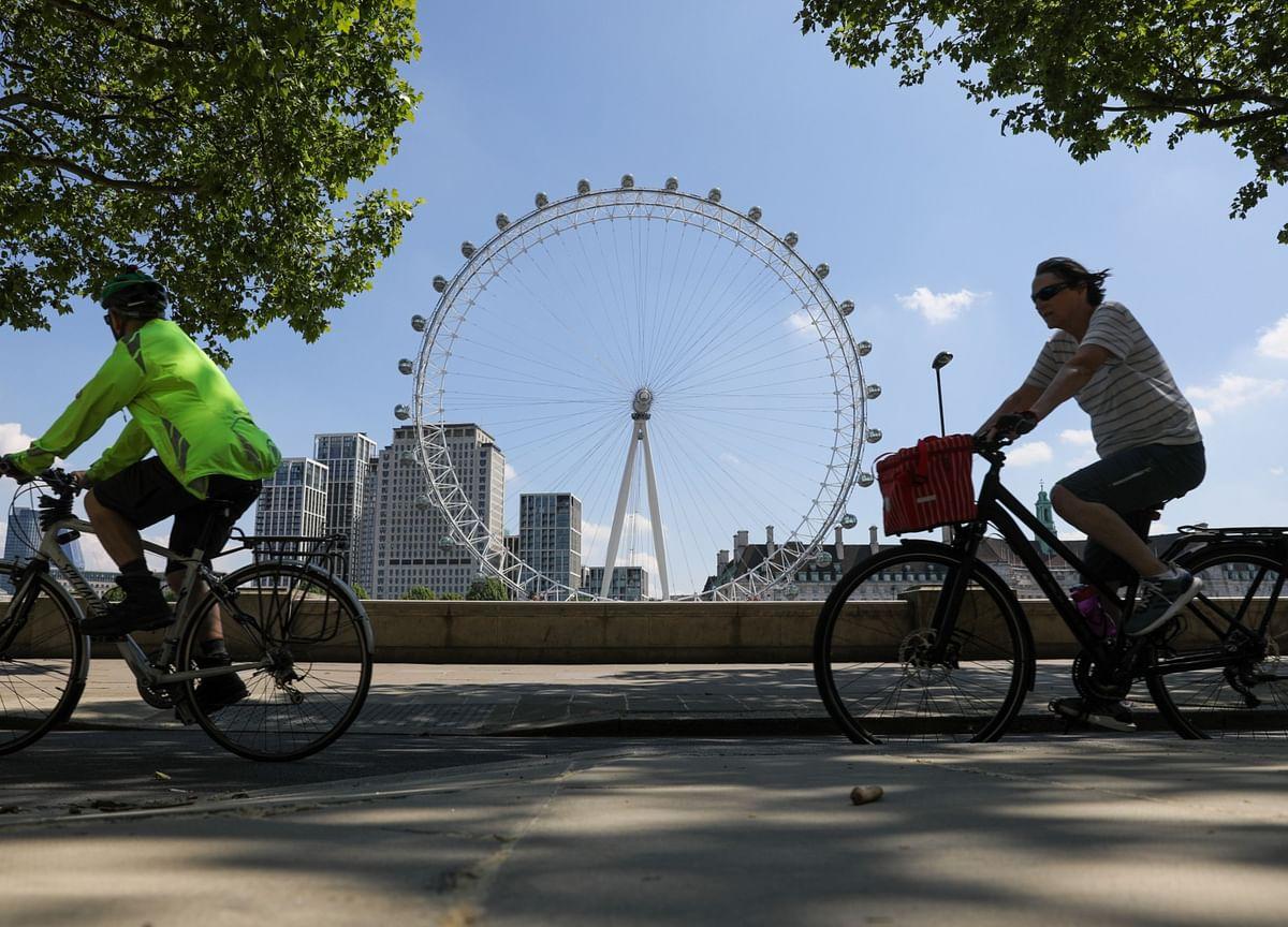 U.K. Economic Contraction Slows Slightly