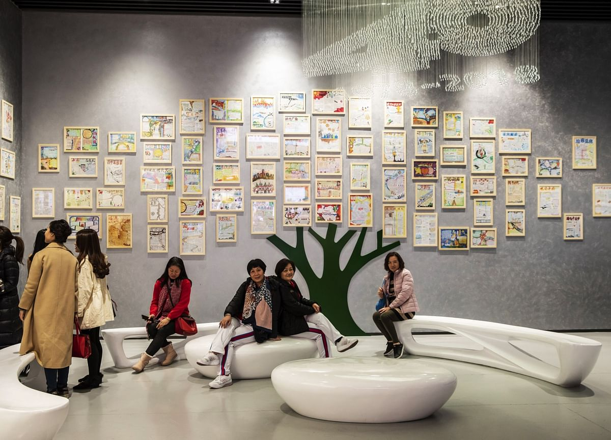 Contemporary Art Needs Big Gatherings and Gossip to Survive