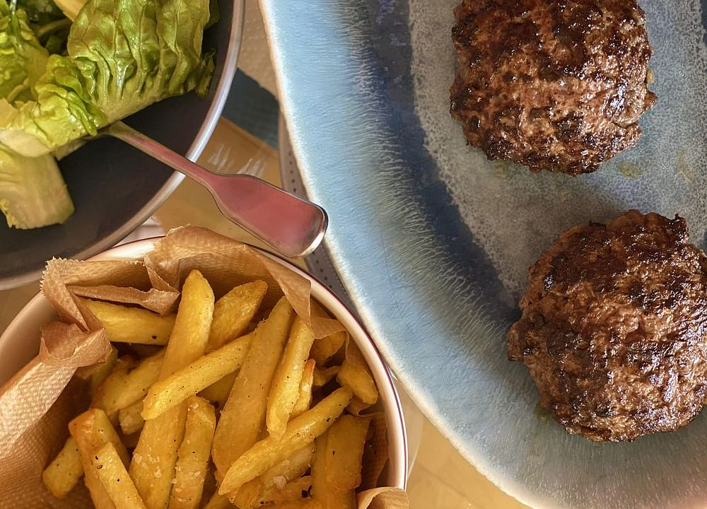 Top French Chef's Recipe for the Perfect SteakHaché at Home