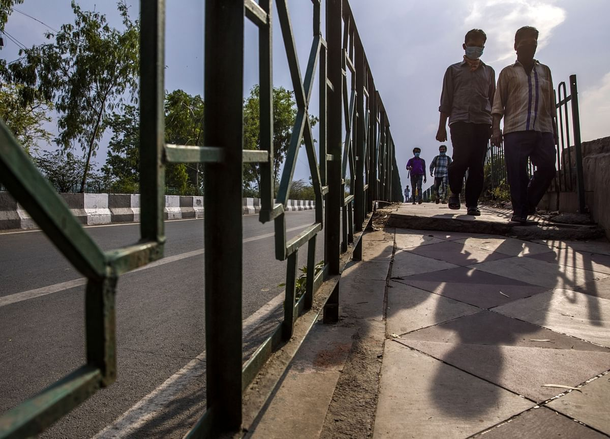 India Economic Growth Holds Up With Deep Slump Likely Ahead