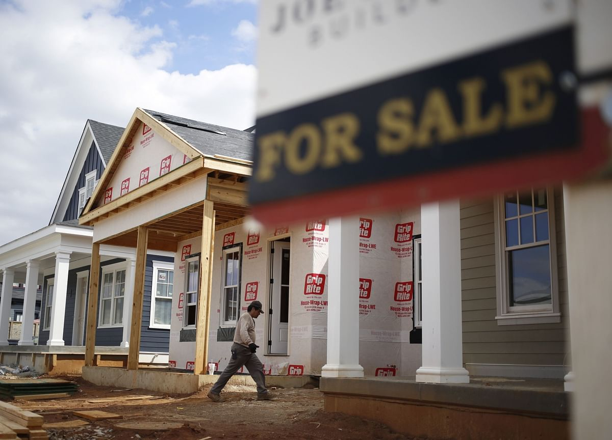 U.S. Homebuilders Defy Expectations With Gain in New-Home Sales