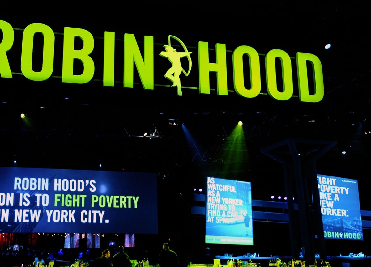 Steve Cohen, Jeff Bezos Achieve Scroll Fame at Robin Hood Telethon