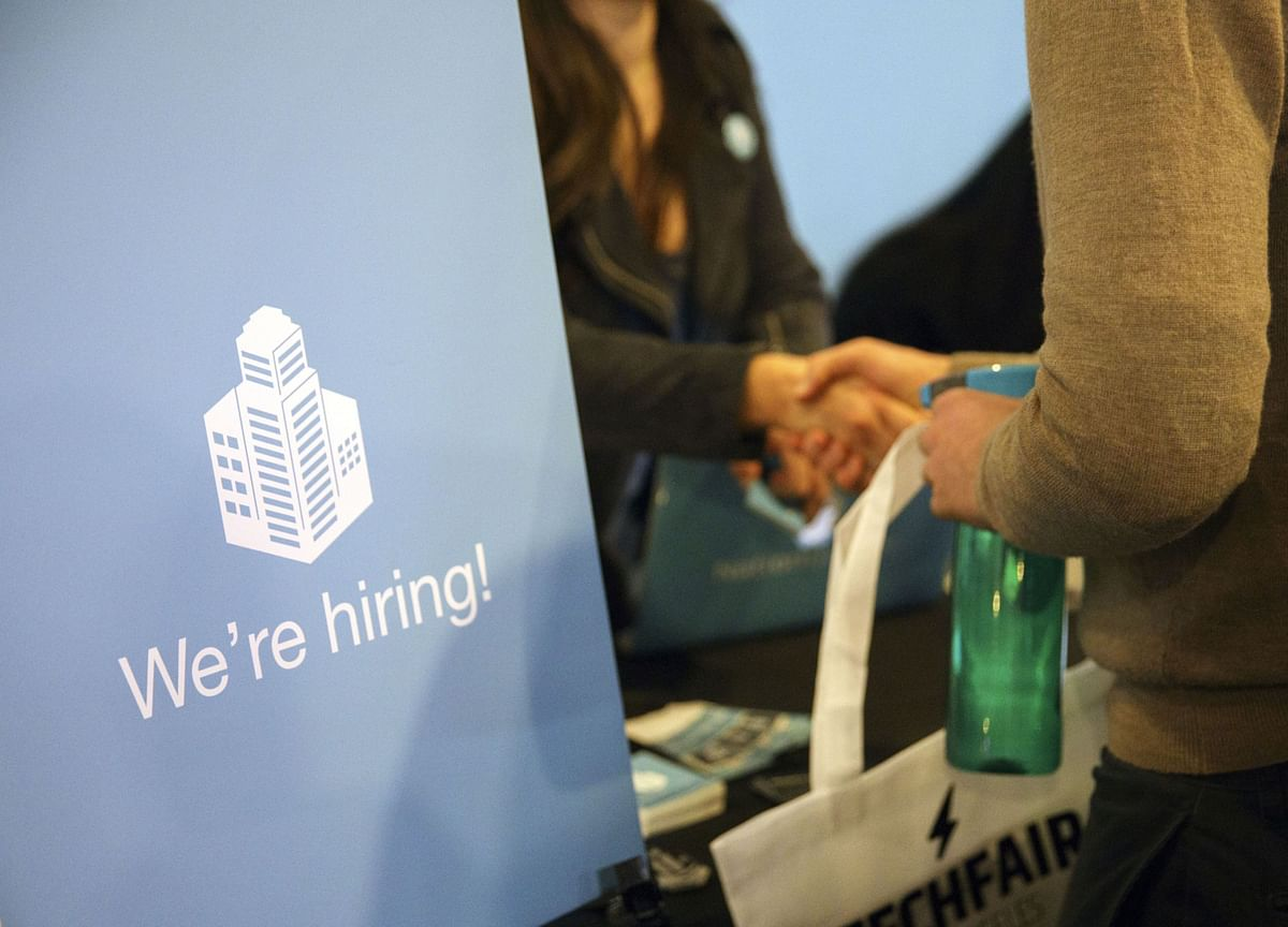 U.S. Jobless Claims Resume Decline But Report Comes With Caveats