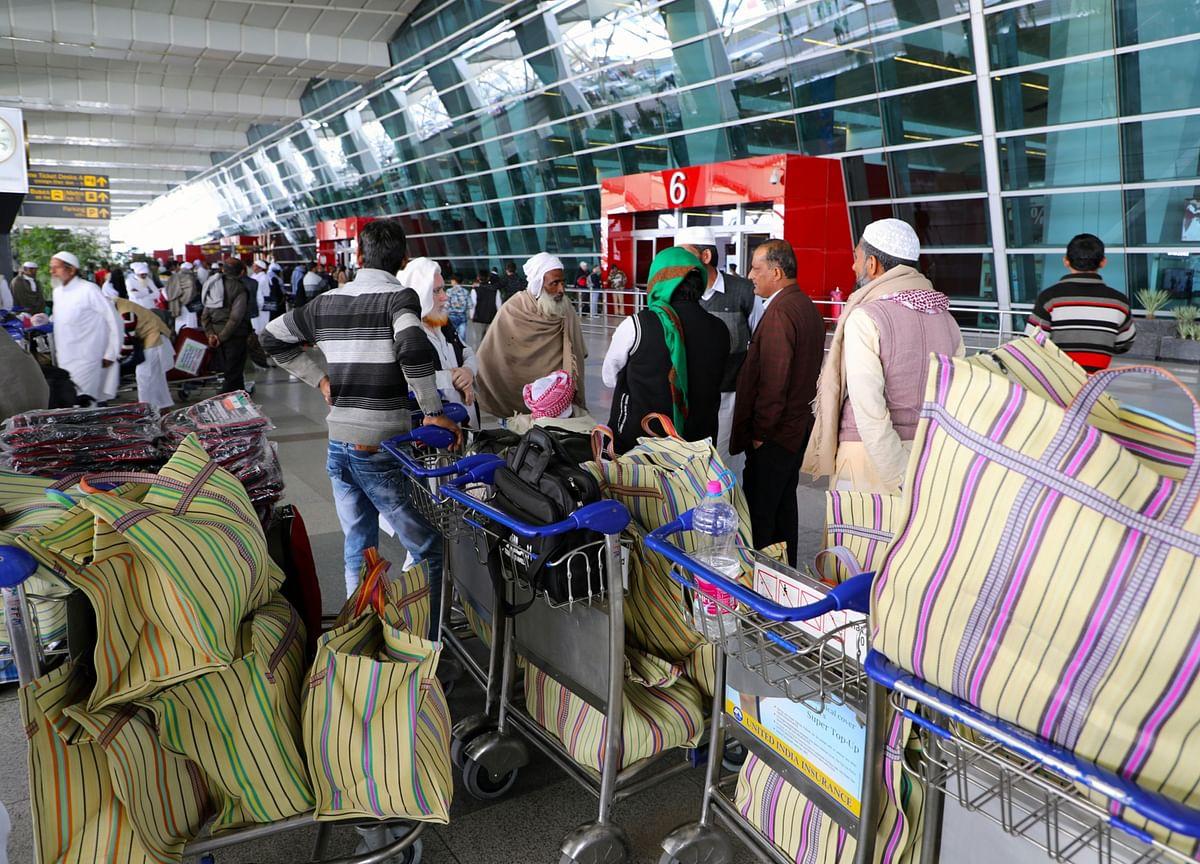 Airports Authority Of India Asks Air Passengers To Mandatorily Download Aarogya Setu App, Carry Hand Sanitiser