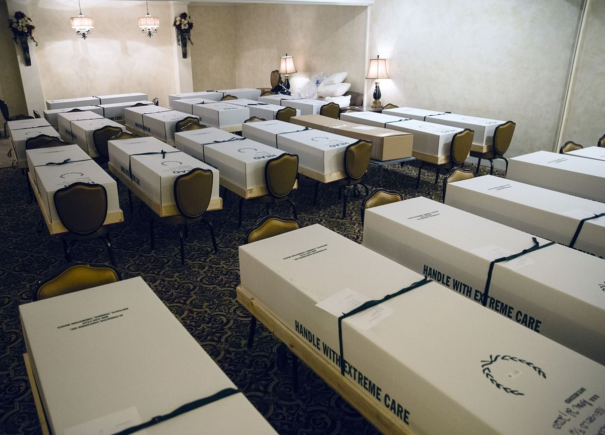 Virus Deaths Hit 100,000 and U.S. Funeral Business Is in Trouble