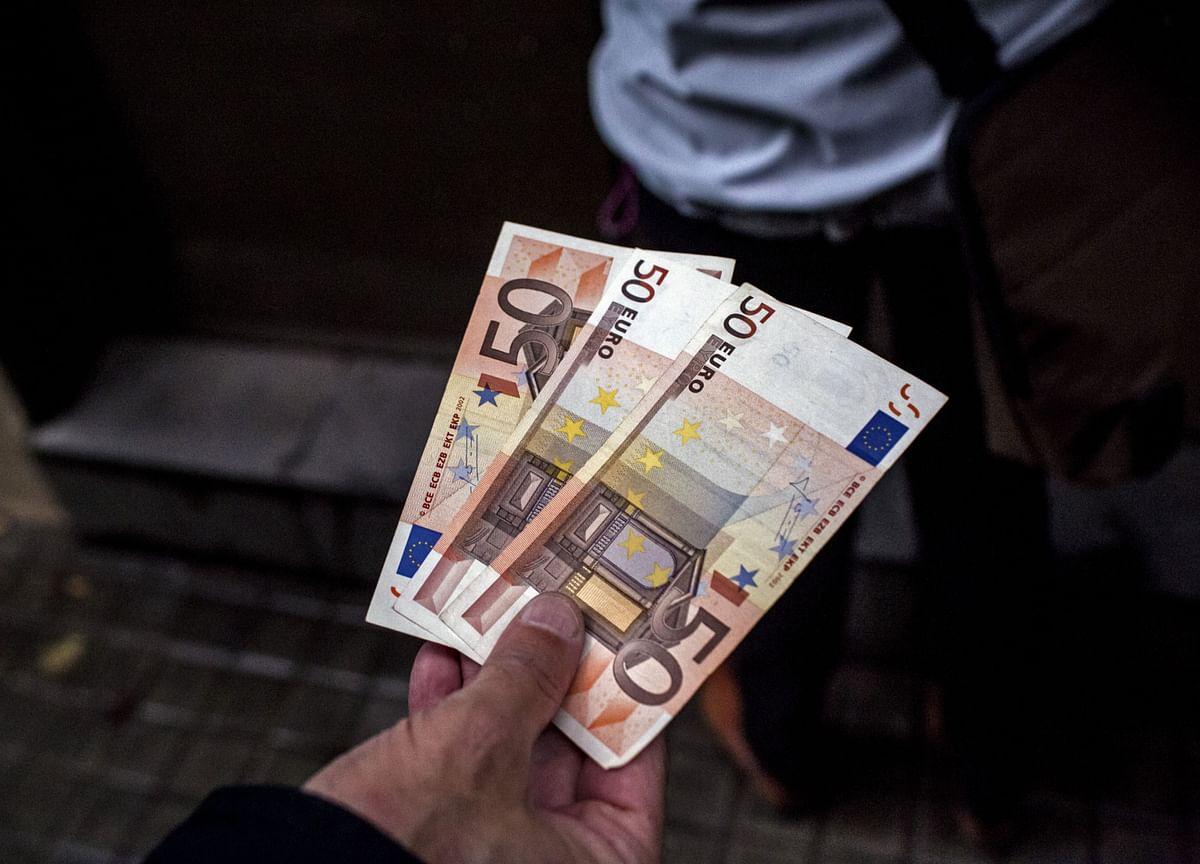 Spain Weighs Major Boost to $113 Billion Loan Guarantee Plan