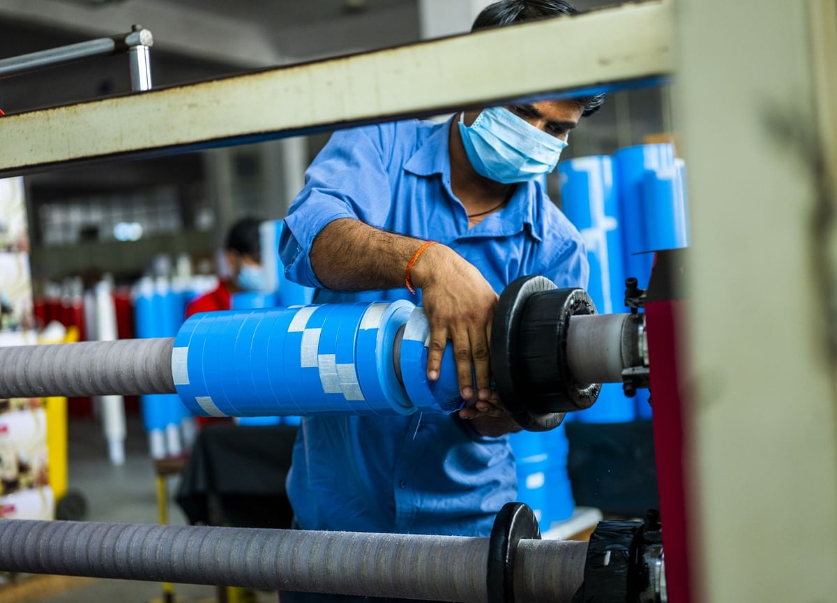 India PMI: Manufacturing Sector Activity Returns To Growth In August As Demand Picks Up