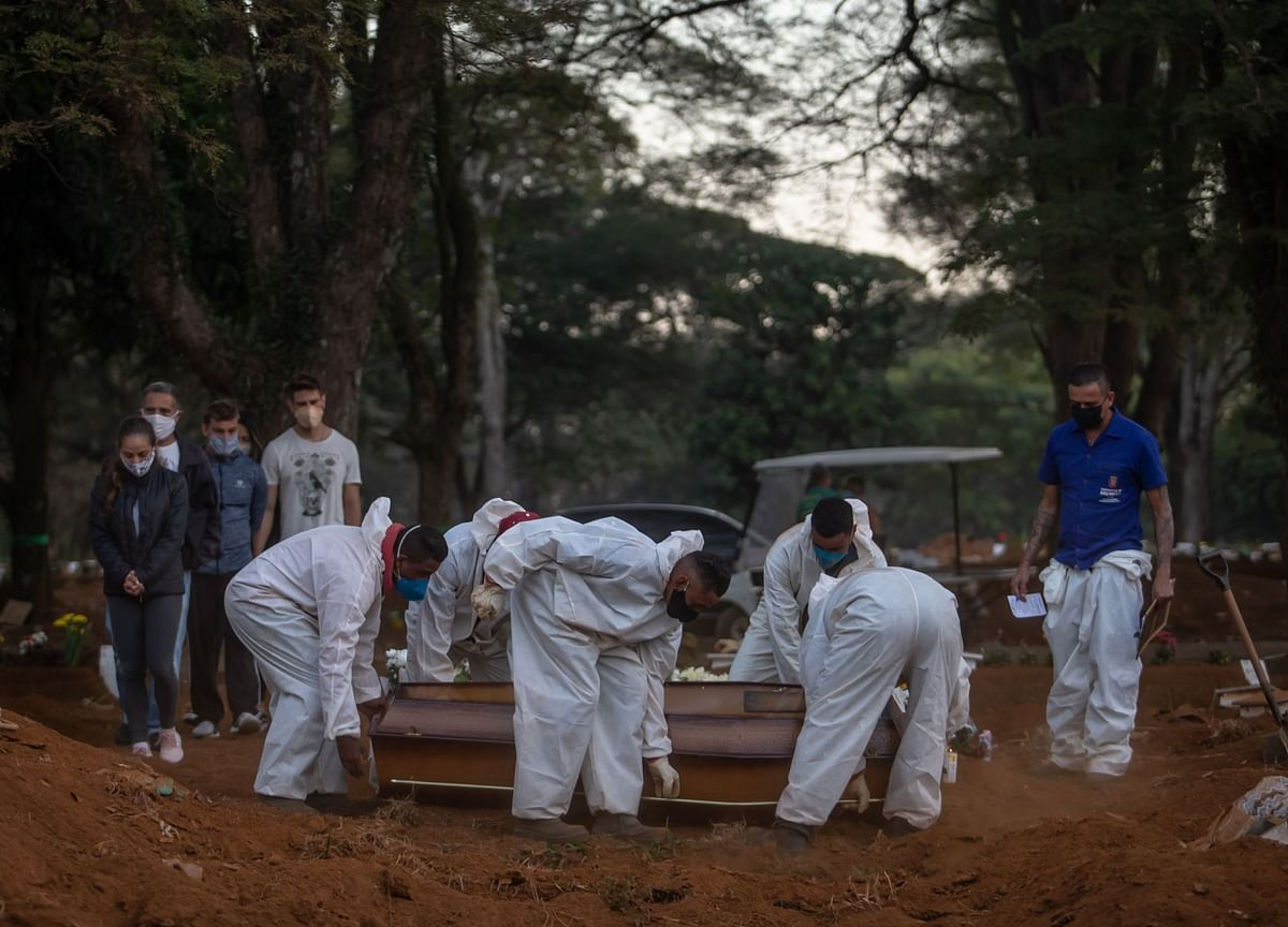 Brazil Reports Record Covid-19 Deaths as Surge Continues