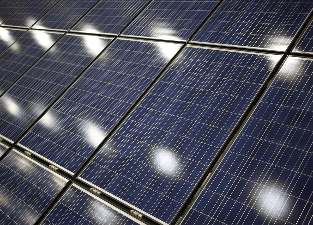 India's EESL to Seek Investor for $5.3 Billion Solar Venture