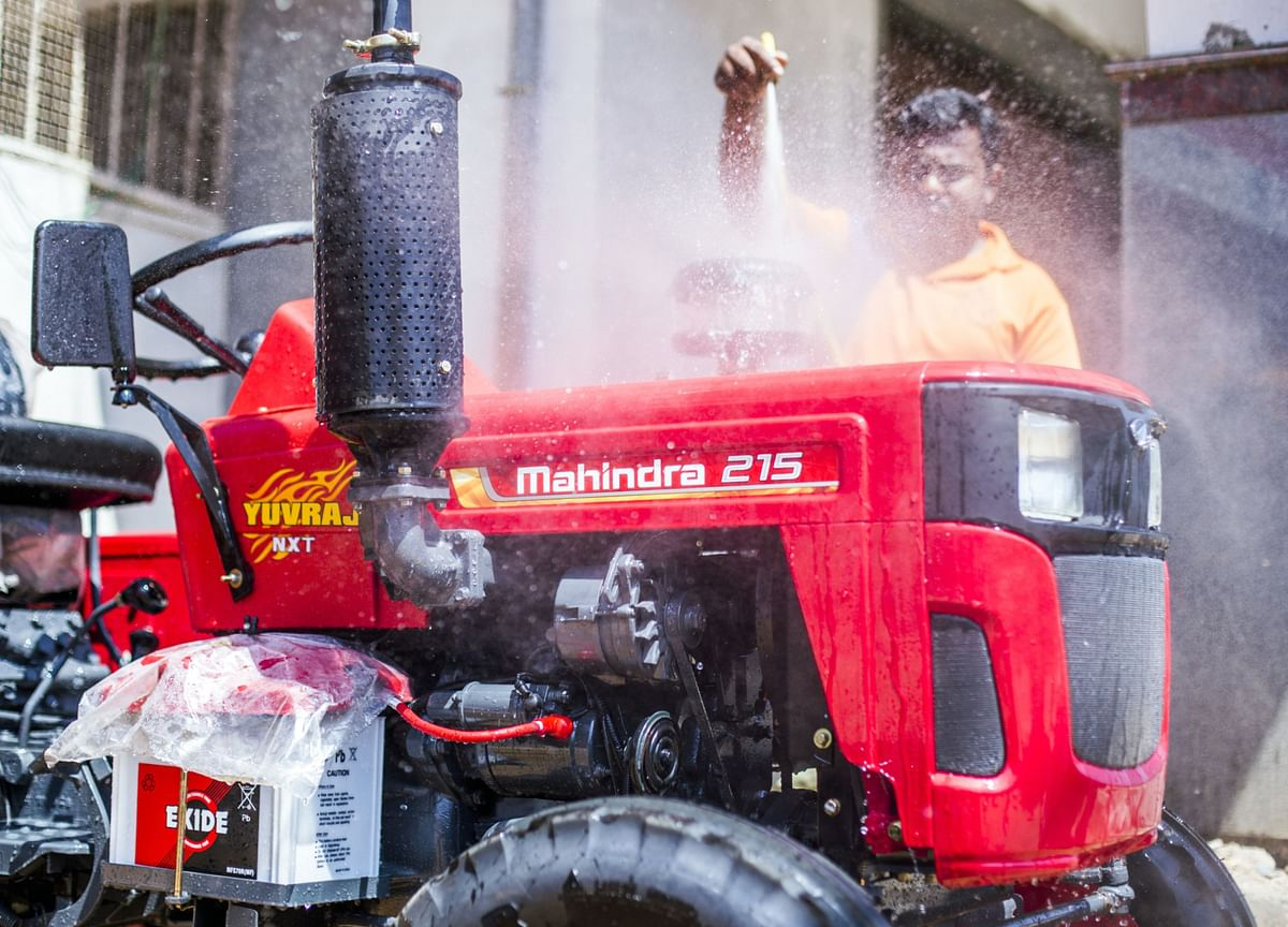 Dolat Capital:  Mahindra & Mahindra Well-Positioned To Leverage Rural Demand