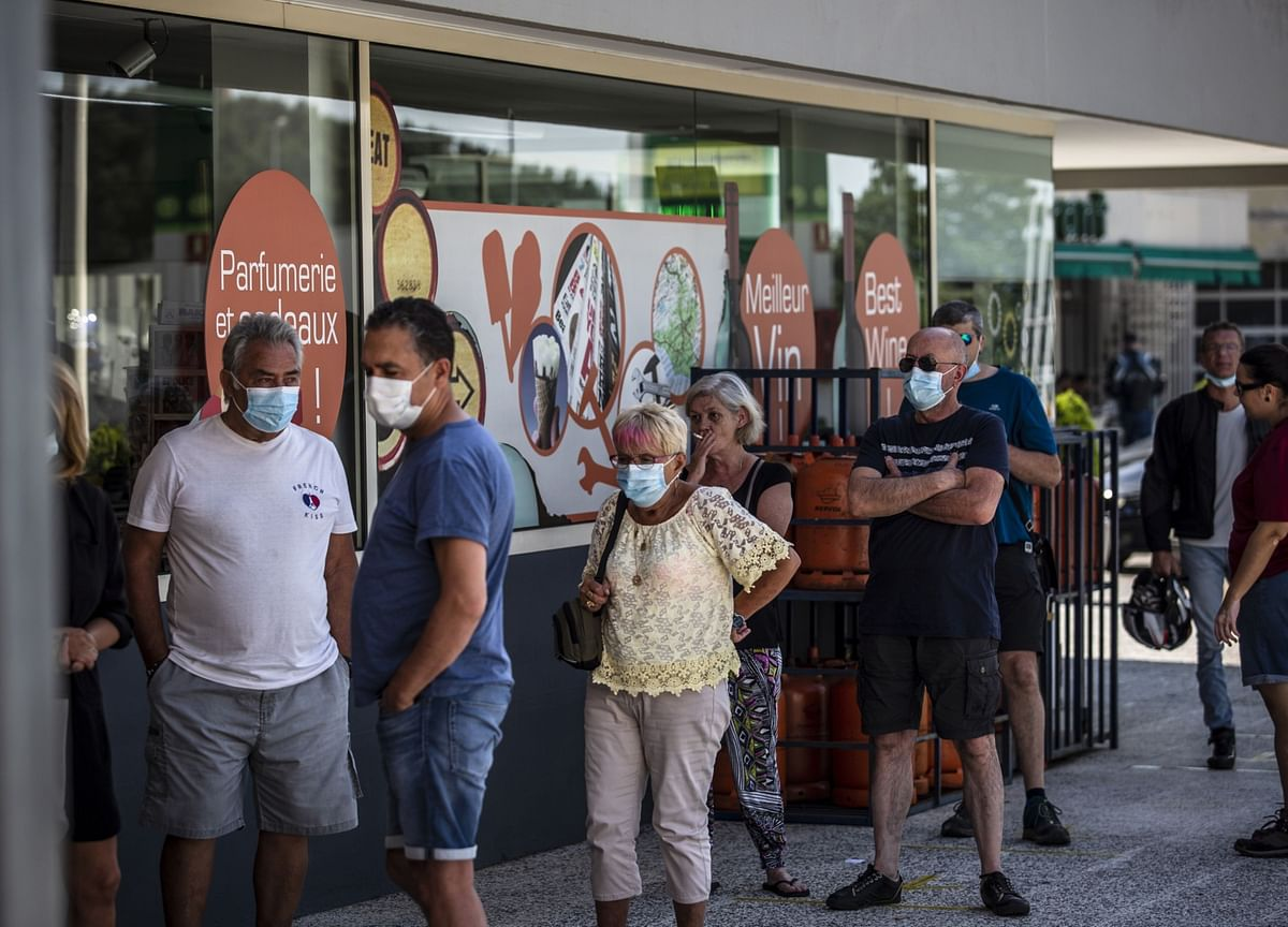 Spain Second Virus Wave Swells, Fuels Concern Across Europe