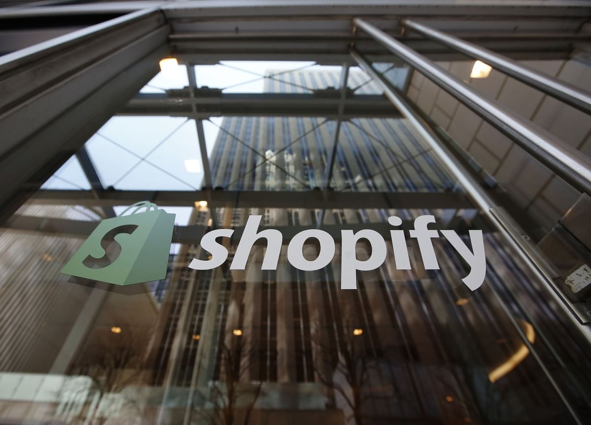 Amazon Faces a Sharp Challenge From Walmart and Shopify