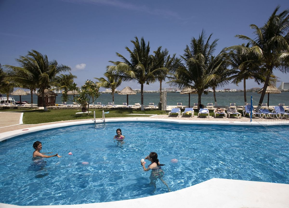 Mexico to Reopen Cancun to Tourism Next Week