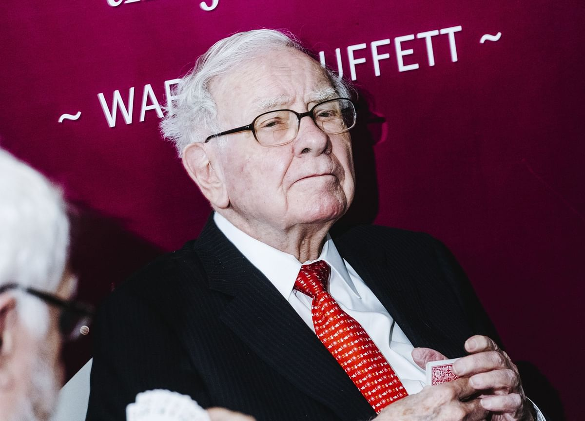 Buffett Missed Out on Crisis, Revealing Berkshire's Big Weakness