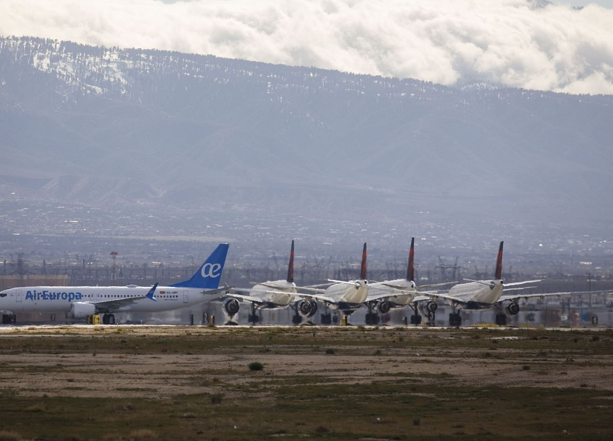 Boeing Leads Dow Higher With 737 Max Test Flights Set to Begin