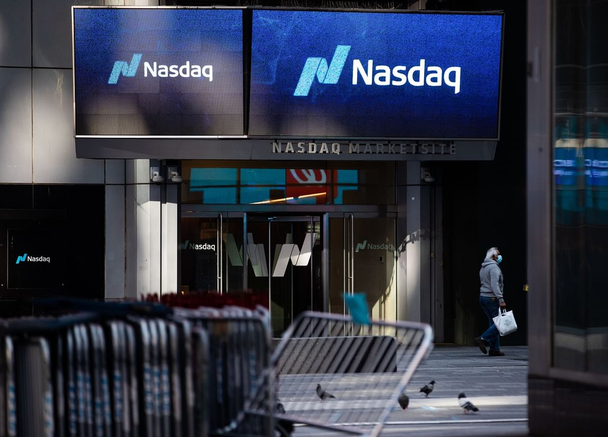 Nasdaq Sets a Record as Tech Jumps; Dollar Climbs: Markets Wrap