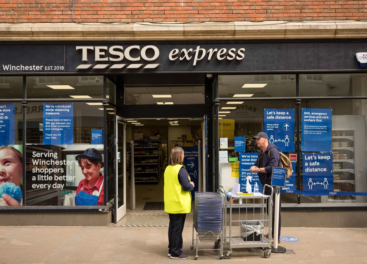 Tesco Sales Rise More Than Expected on Pandemic Shopping