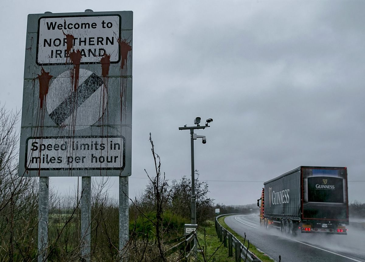 Britain's Post-Brexit Border Plan Has a Truck-Sized Hole