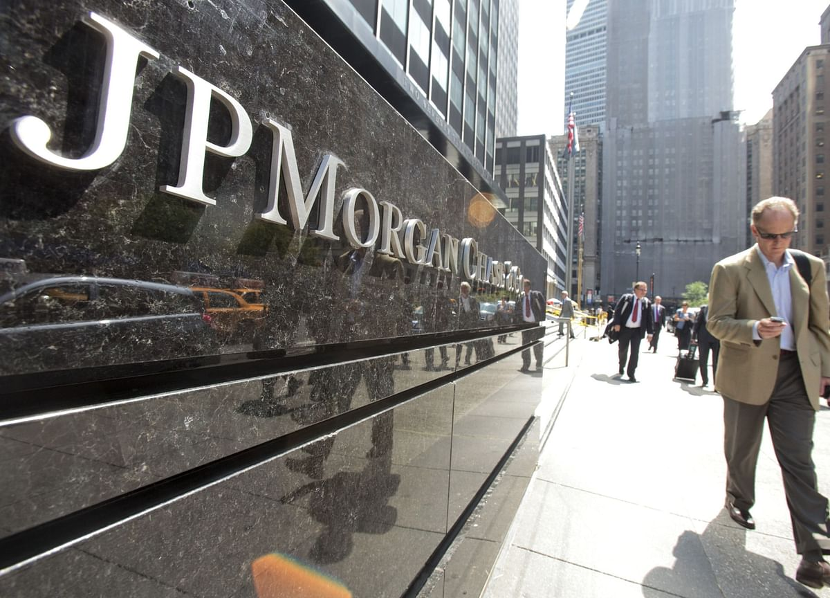 JPMorgan Economists Warn of U.S. Contraction Early Next Year