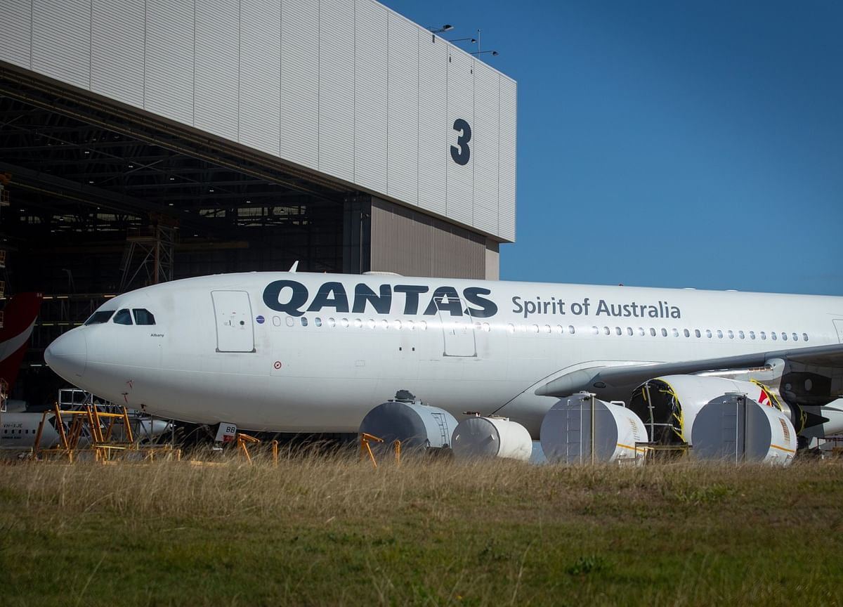 Qantas to Raise $1.3 Billion and Cut 6,000 Jobs to Survive Virus