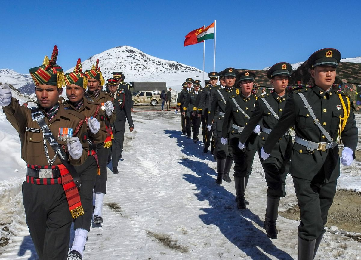 Pompeo Says China Has Deployed 60,000 Soldiers on Indian Border