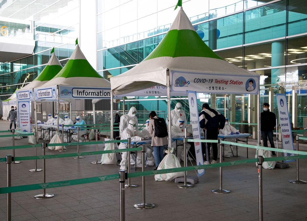 South Korea Limits Entry for Foreigners After New Virus Cases