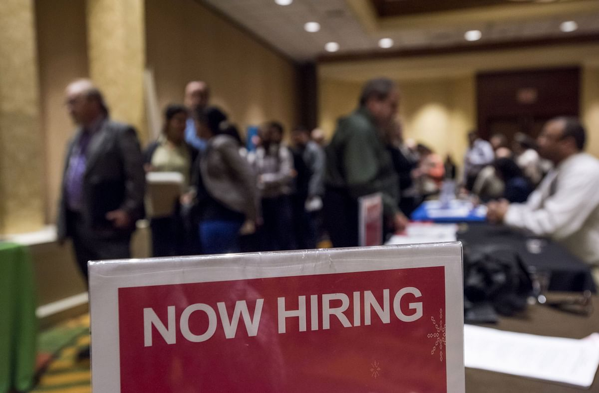 U.S. Jobless Claims Drop, Offering Ray Of Hope For Labour Market