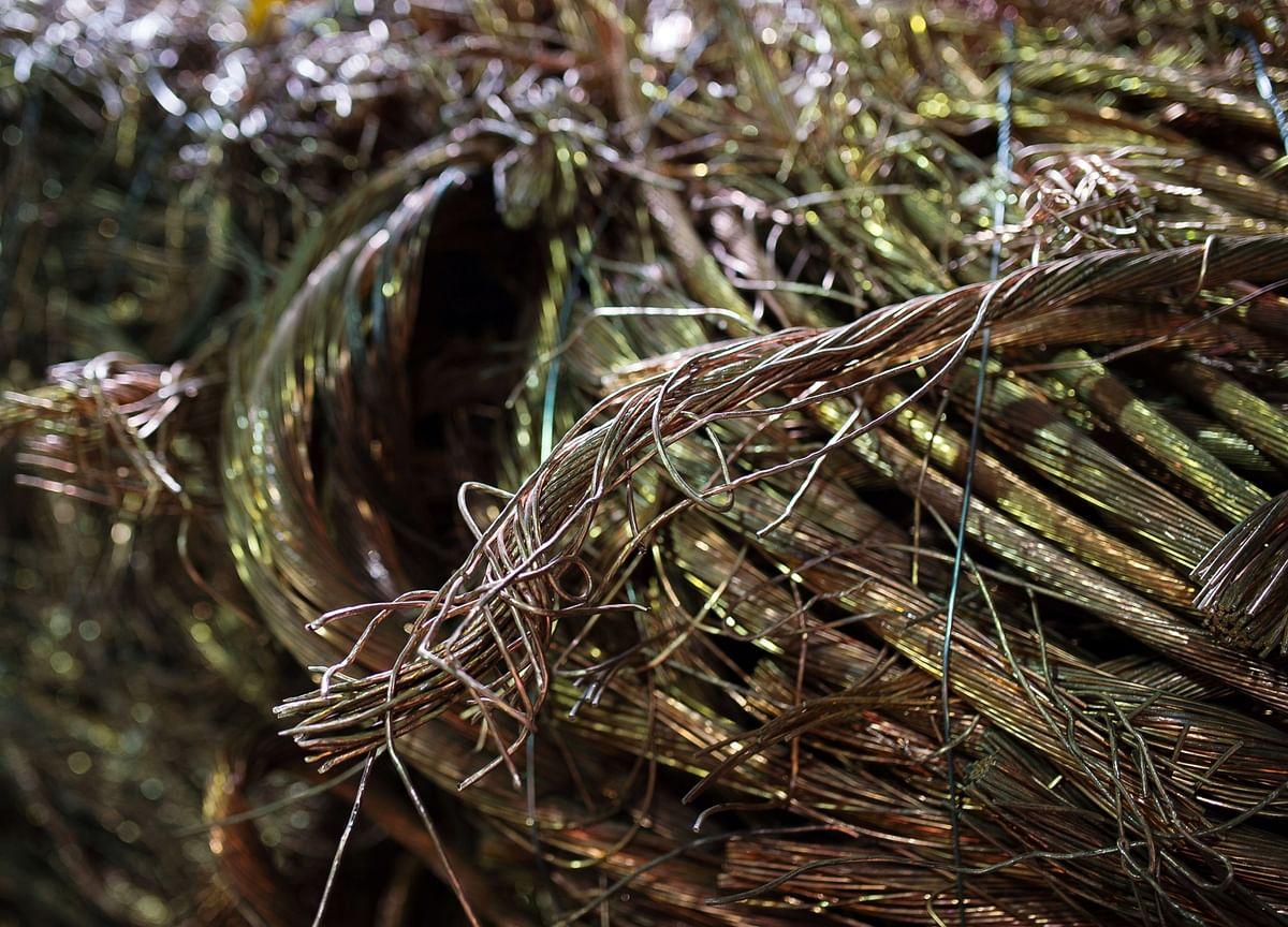 Copper's Surge Risks Losing Steam as Technicals Signal Caution