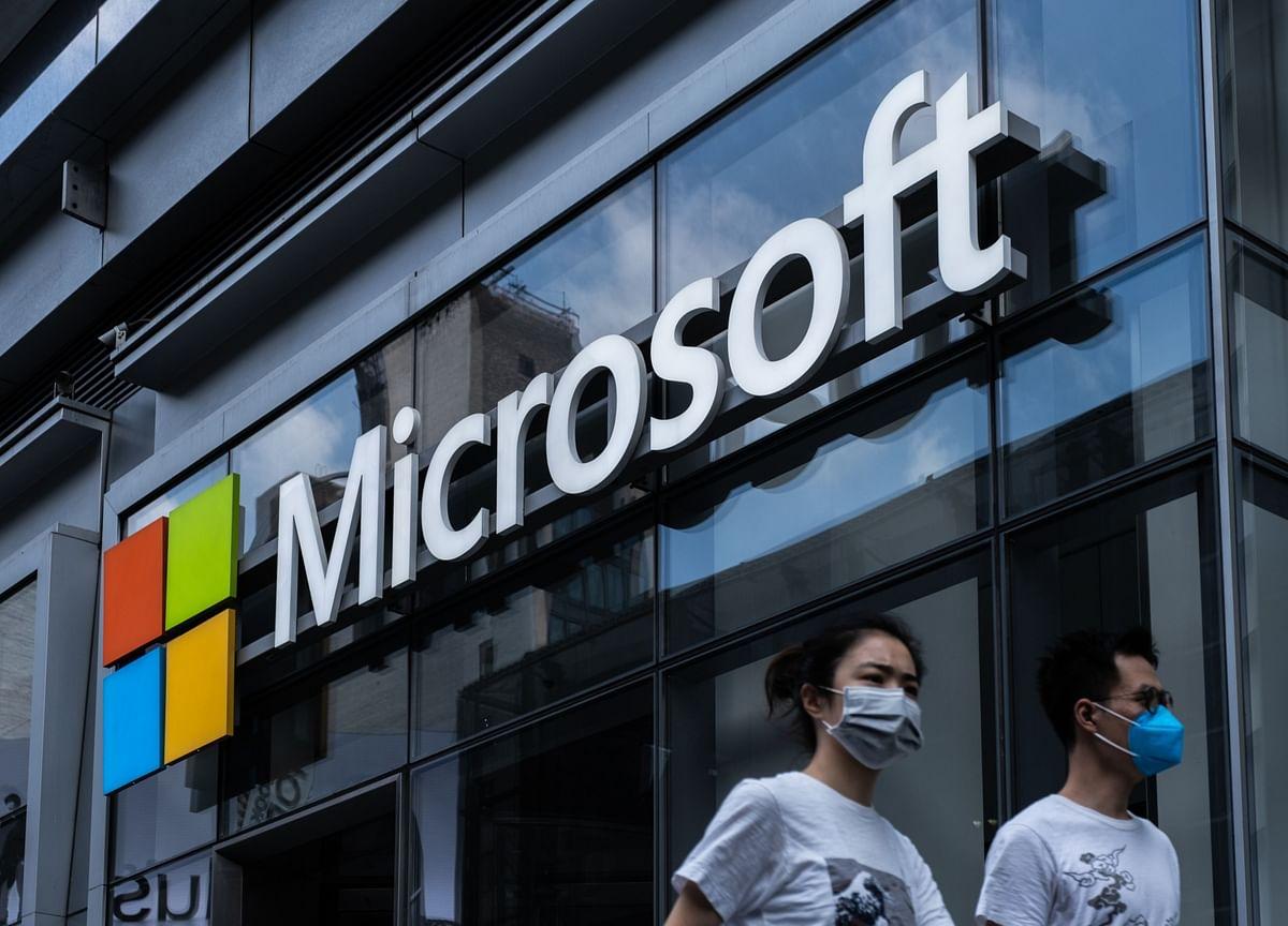 Microsoft Shares Drop as Azure Cloud-Services Sales Slow