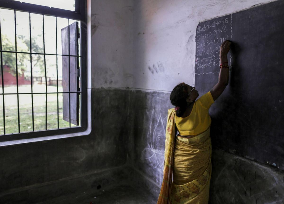 India's Poor Risk Falling Through the Gaps as Schools Go Digital