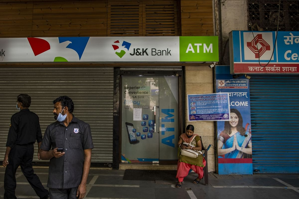 India Central Bank Chief Foresees More Pain for Embattled Banks