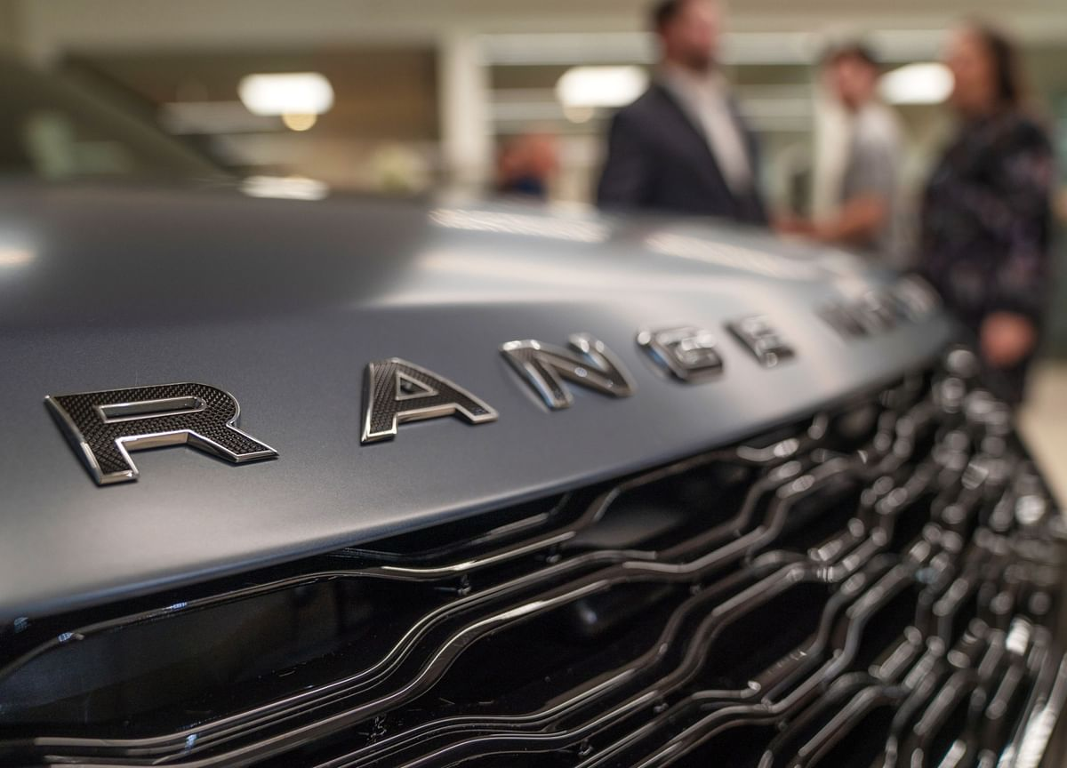 Range Rovers for $930 a Month Aimed at Commitment-Wary Brits