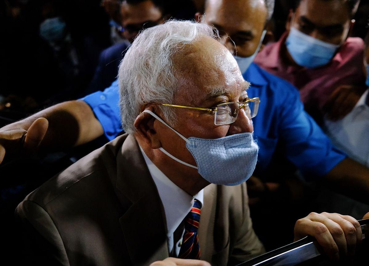 Malaysia Ex-PM Najib Razak Sentenced to 12 Years in Jail in 1MDB Unit Case