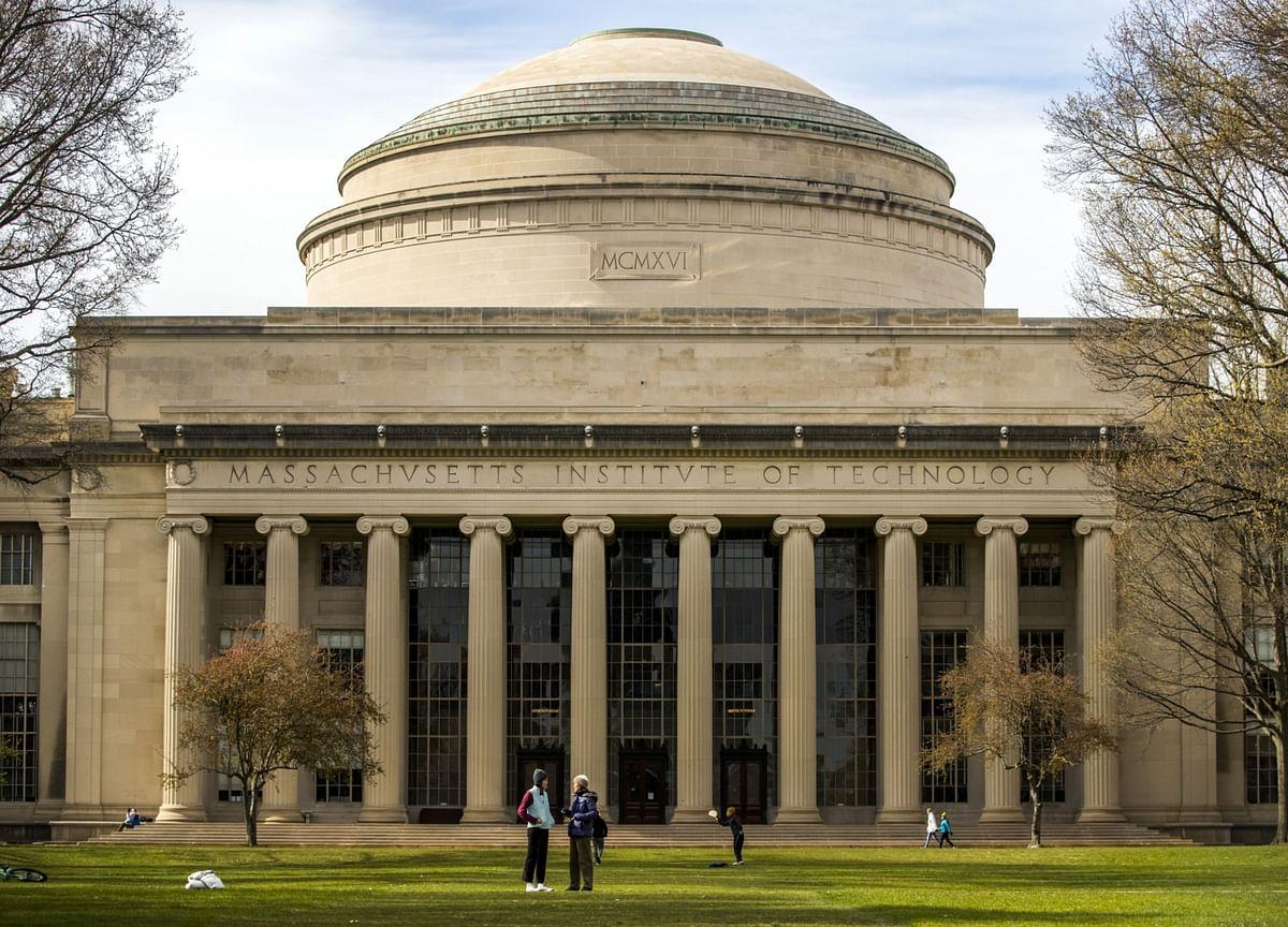 Stanford, Yale File in Favor of Lawsuit Aimed at Trump Visa Rule