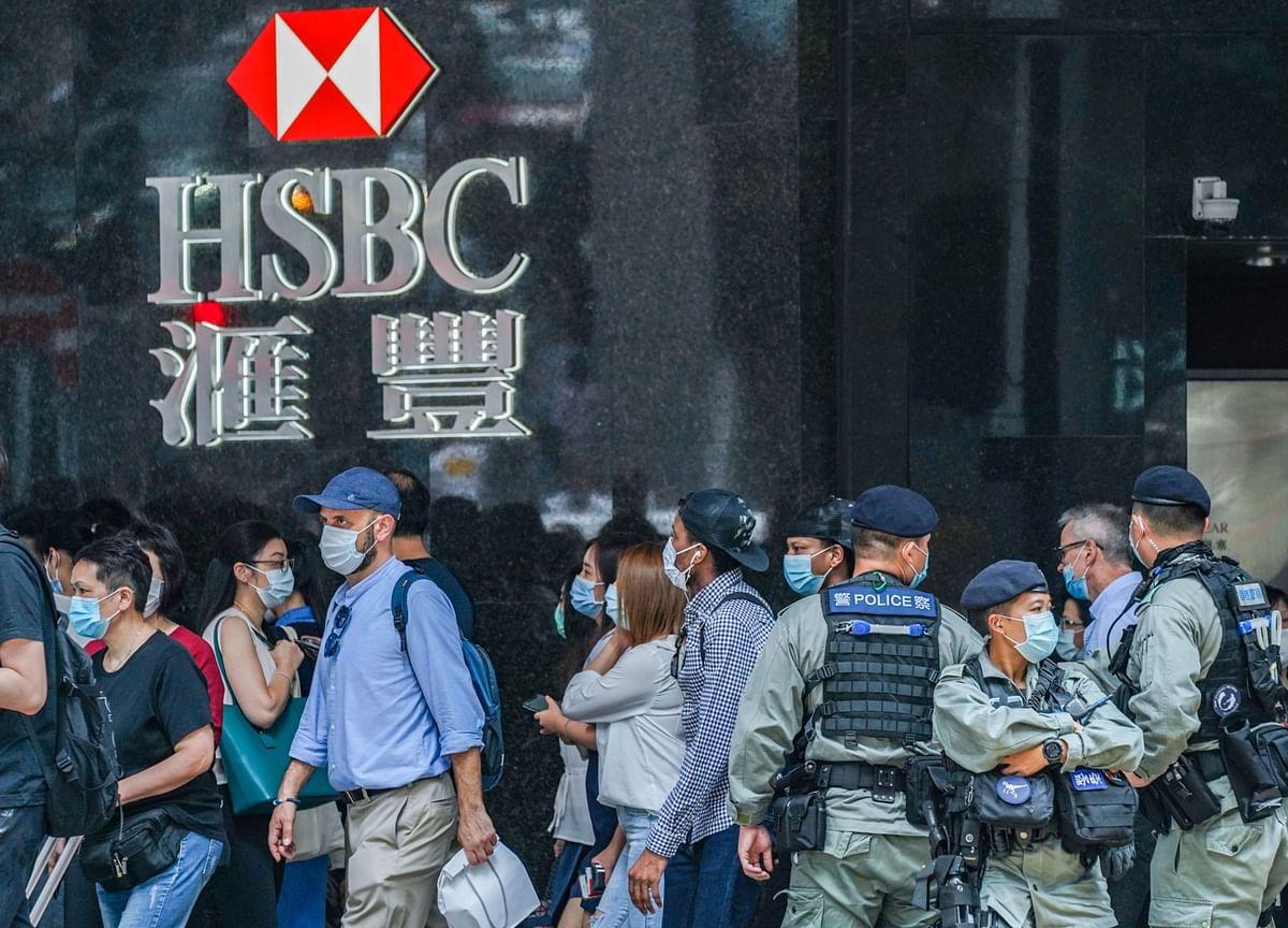Ex-HSBC Economist Backs Hong Kong Banks in Legislature Bid