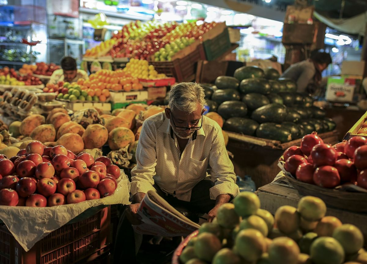 India's Wholesale Price Index Contracts For Third Straight Month
