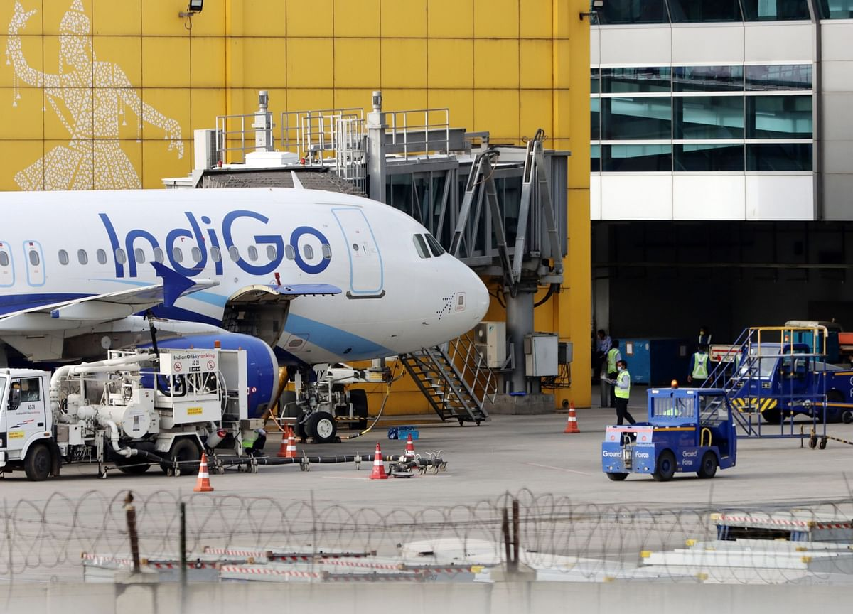 IndiGo Warns of 60% Capacity Slump After Loss on Virus