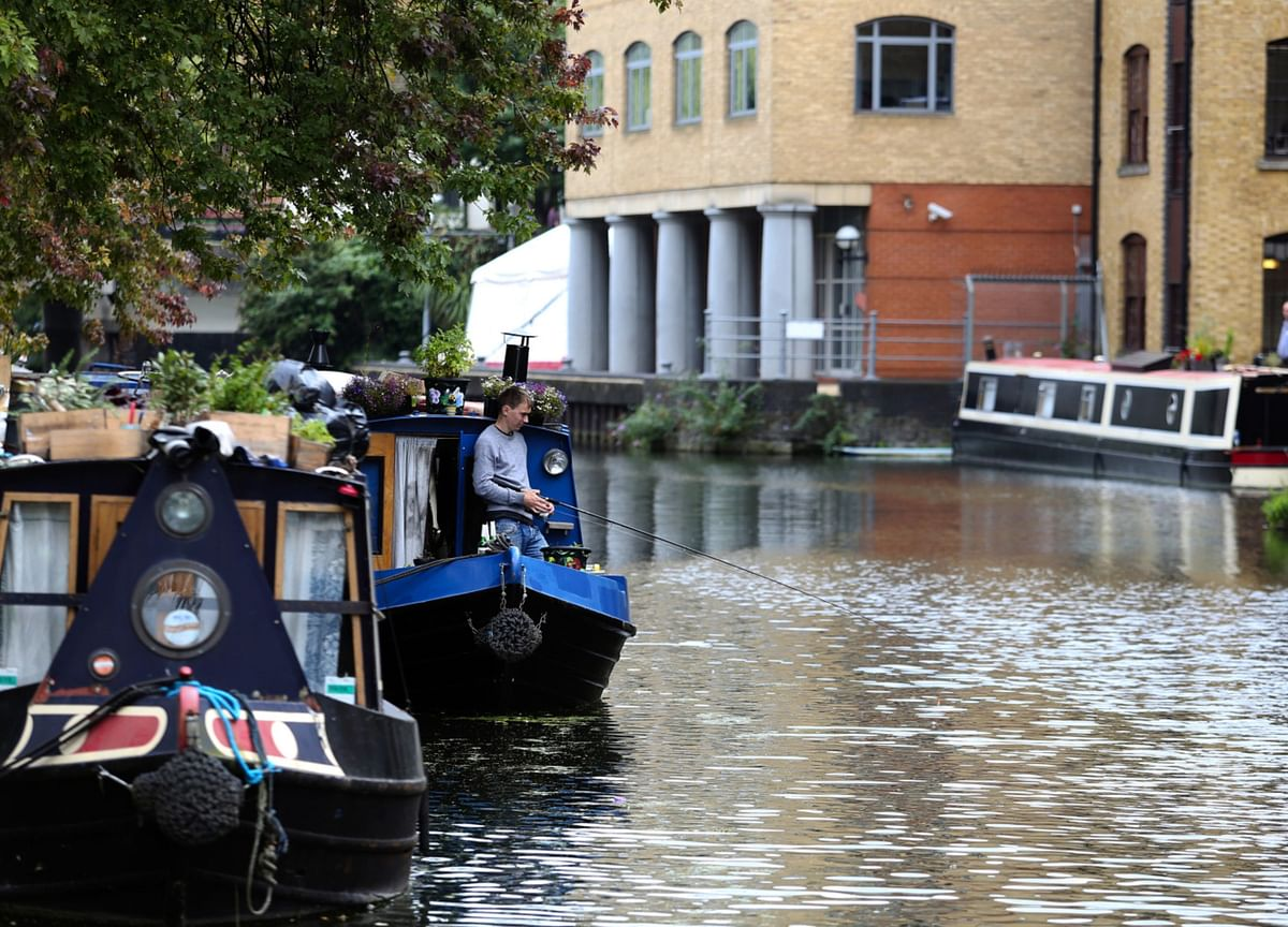 Want to See London the Socially Distant Way? Try Kayaking the Canals