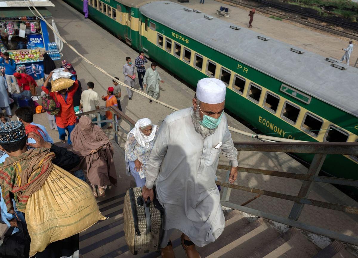Pakistan Warned of Fresh Virus Threat as Millions Travel for Eid
