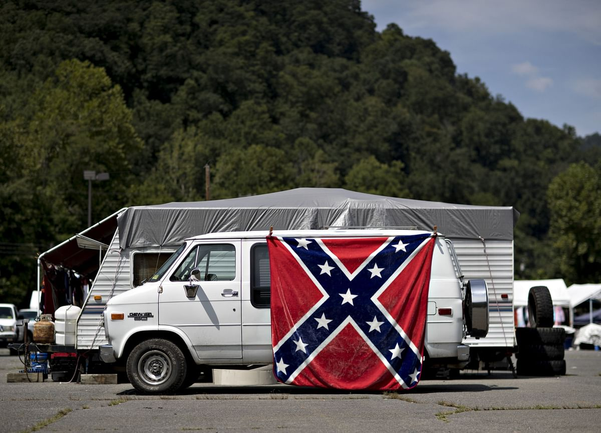 Pentagon Chief Bans Confederate Flag From U.S. Military Bases