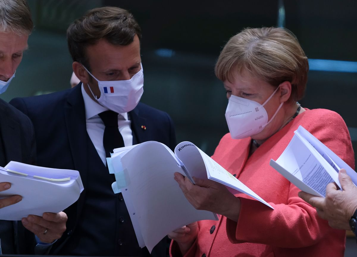 Macron and Merkel Deliver an $859 Billion Breakthrough
